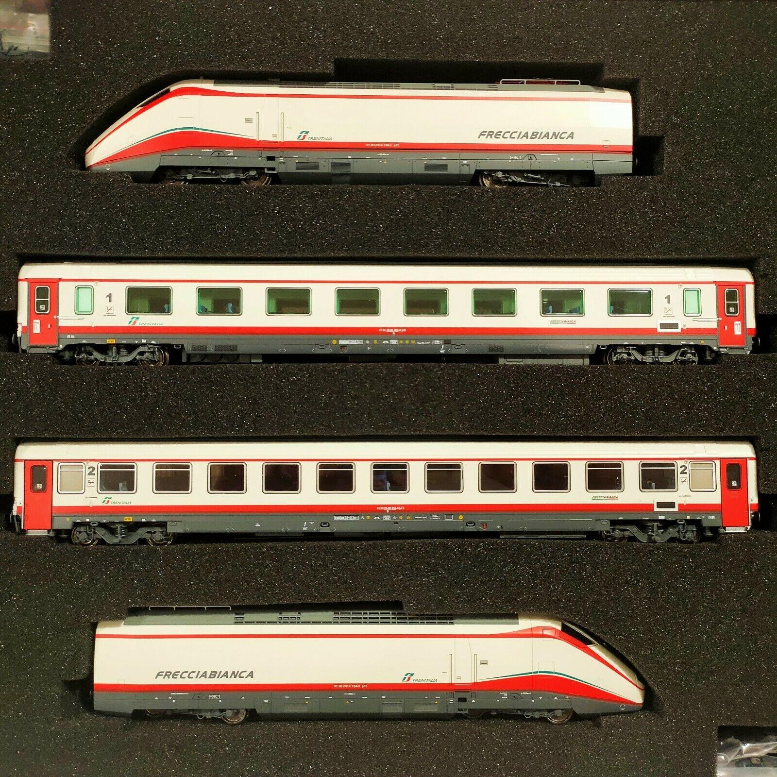 1/87 Treno Frecciabianca composto - da due motrici e duecarrozze