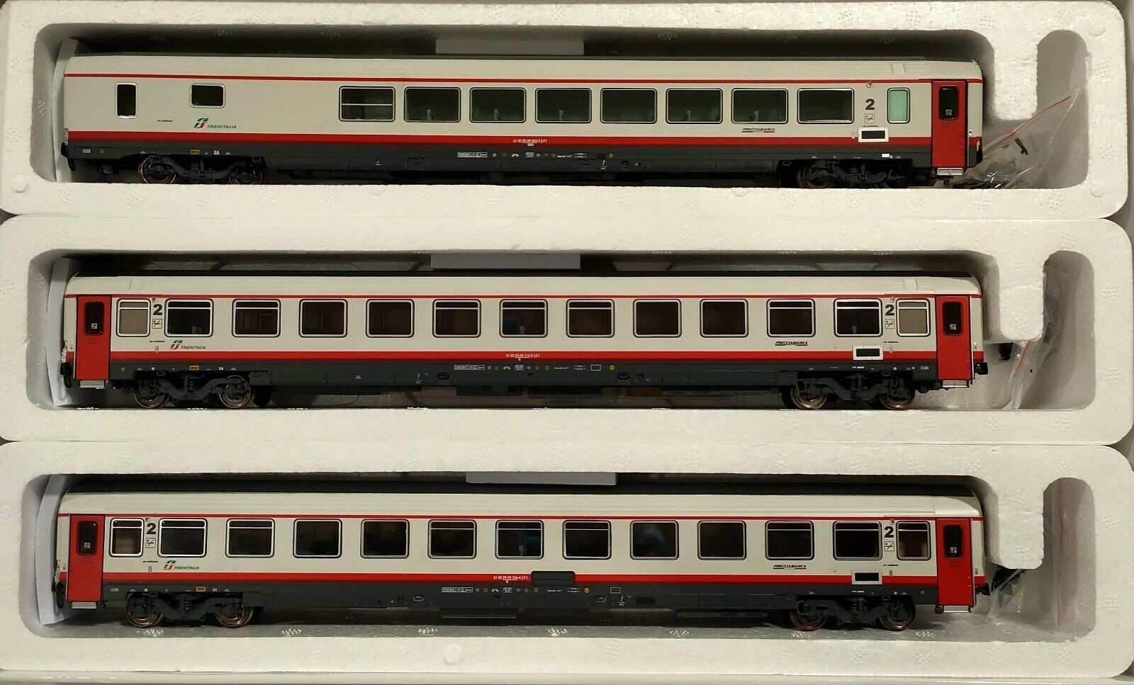 1/87 Treno Frecciabianca composto - da 2 carrozze seconda classe + BRH